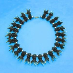 necklace_fish_bl_5224870d8bd3c
