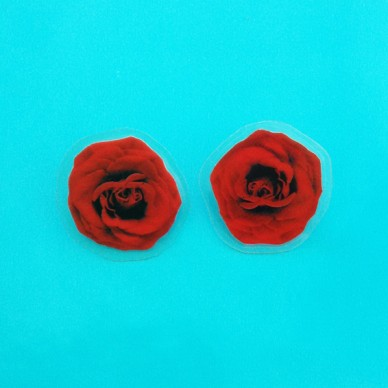 earing rose red