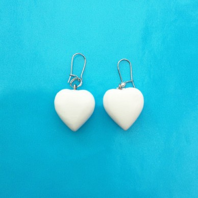 earring heart wood white