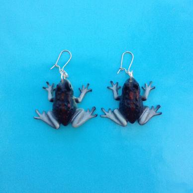 frog dark purple