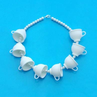 necklace cup white pearl