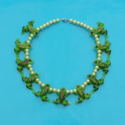 necklace frog darkgreen