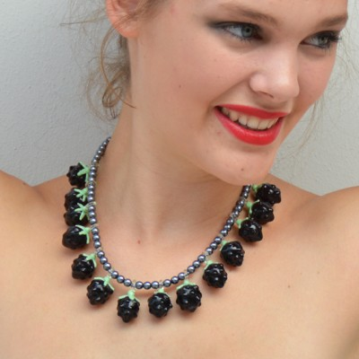 necklace glass blackberry 72