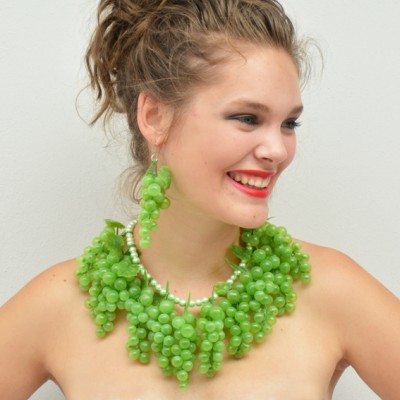 necklace grape green 72