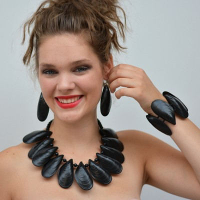 necklace mussel 1 72