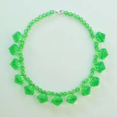 necklace shine green