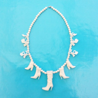 necklace shoe white large