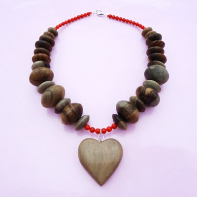 necklace wood heart brown