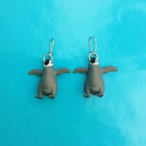 penguin grey
