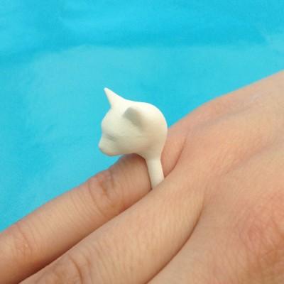 ring cat head white