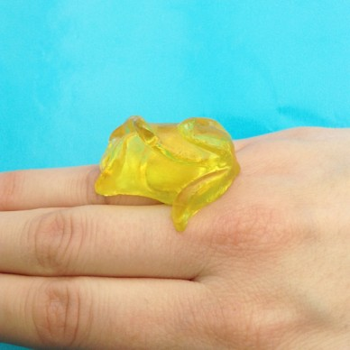 ring resin yellow
