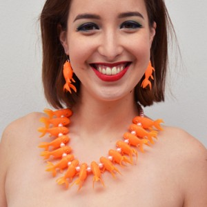 so necklace fish orange light 1 OK 72