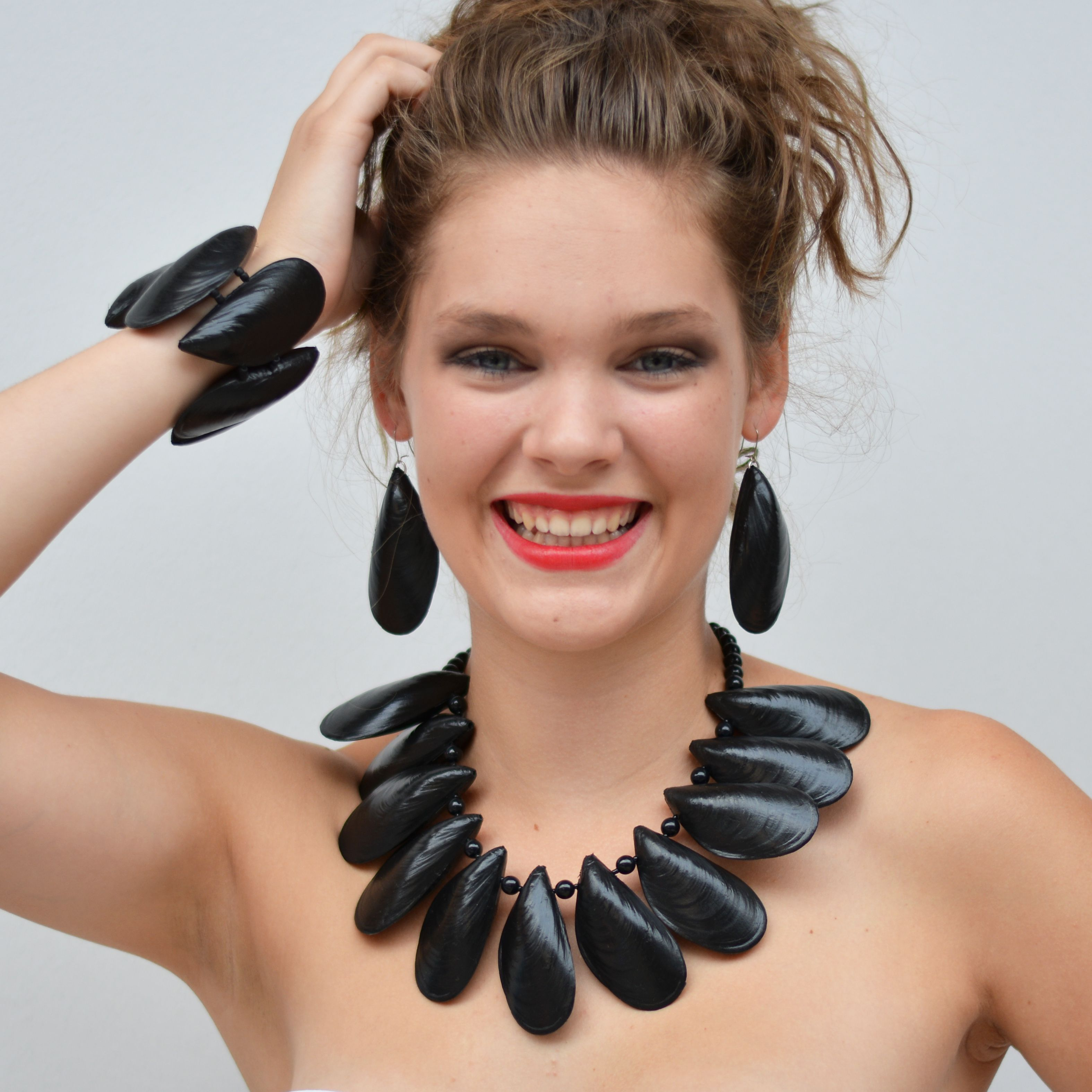 necklace mussel 2 400