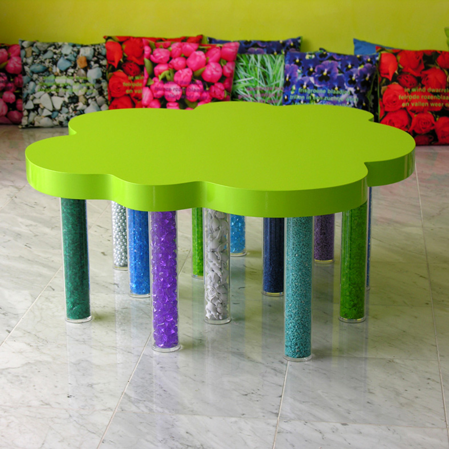 table large green OK 200