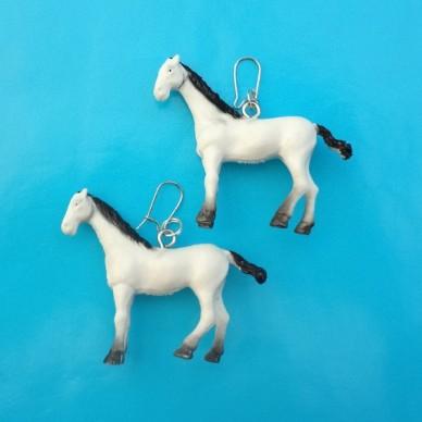 earring horse white 72