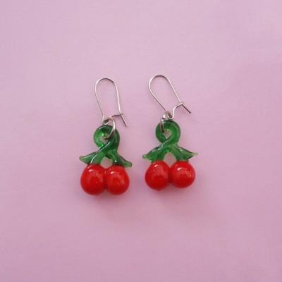 106 earring glass cherry 72