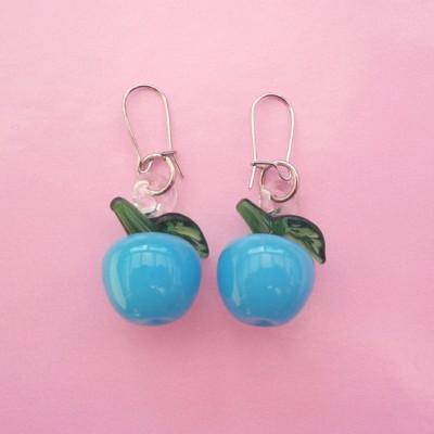 107 earring glass blue cherry 72