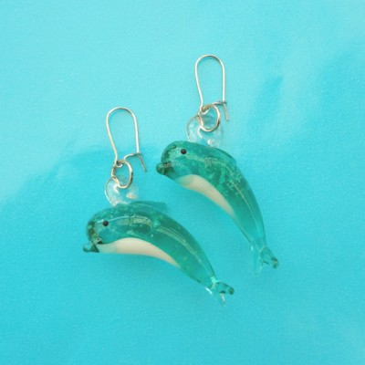 138earring glass dolphin turkoois 72