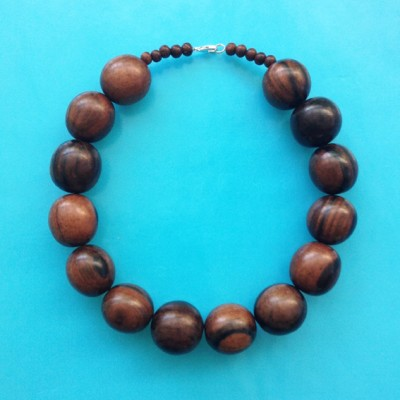 13necklace wood ball darkbrown 72