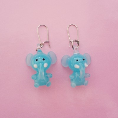 141earring glass elephant 72