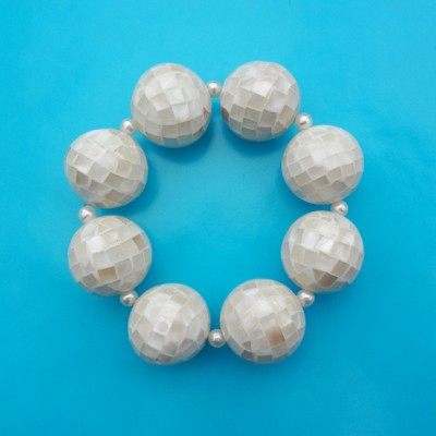 145bracelet ball shell white 72