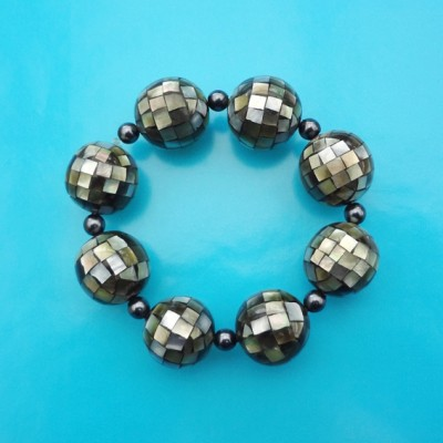 146bracelet ball shell dark 72