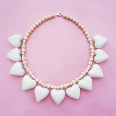 14necklace wood heart white small OK 72