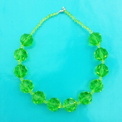 15 necklace shine green ball 72 - kopie