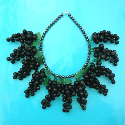 21 necklace grape large on blue 72