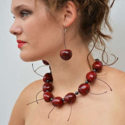 22 necklace cherry OK 72