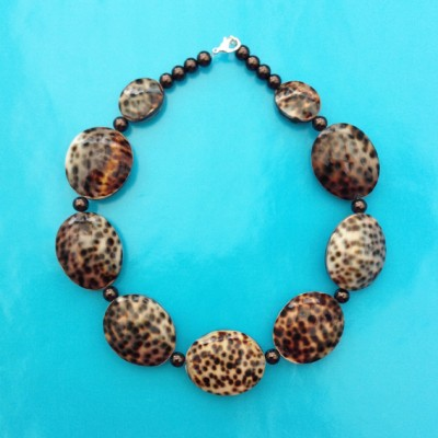 27necklace shell tiger 72 - kopie