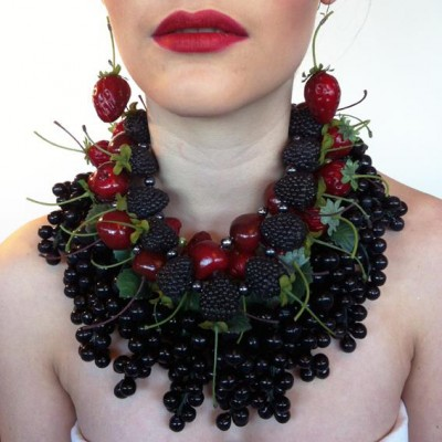 37 necklace grapes dark much 72