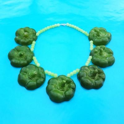 45 necklace paprika green flat 72