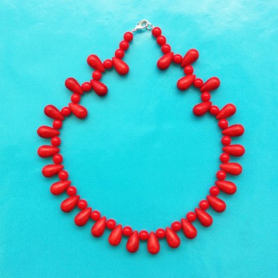 48 necklace glass drop red small OK 72 - kopie