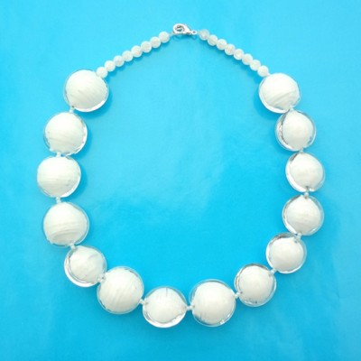 49 necklace glass white balls 72 - kopie