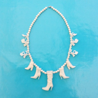 52necklace shoe white large 72