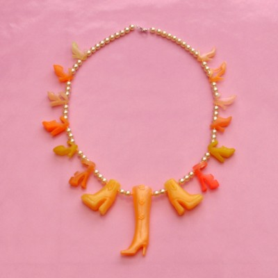 60necklace shoe orange 72 - kopie