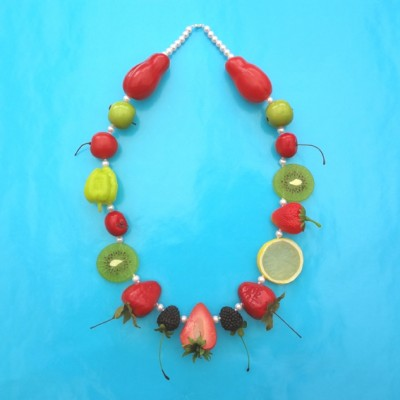 61 necklace fruit XL 1 on blue 72