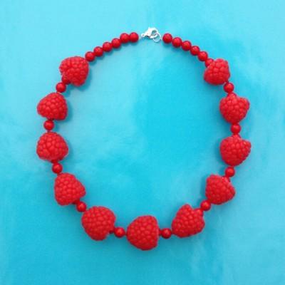 65 necklace framboises 72