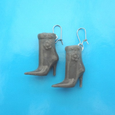 76earring shoe grey 72