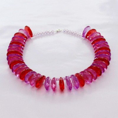 89necklace shine redpurple flat - kopie