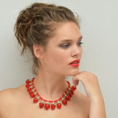94 necklace glass raspberry 72