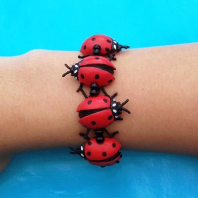 bracelet ladybird arm 72