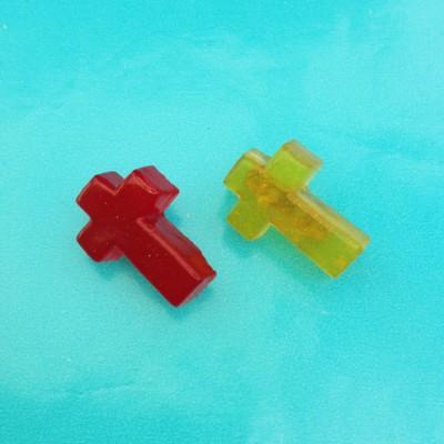 brooch resin cross 2 x 72