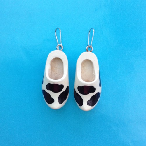 earring clog cow 72
