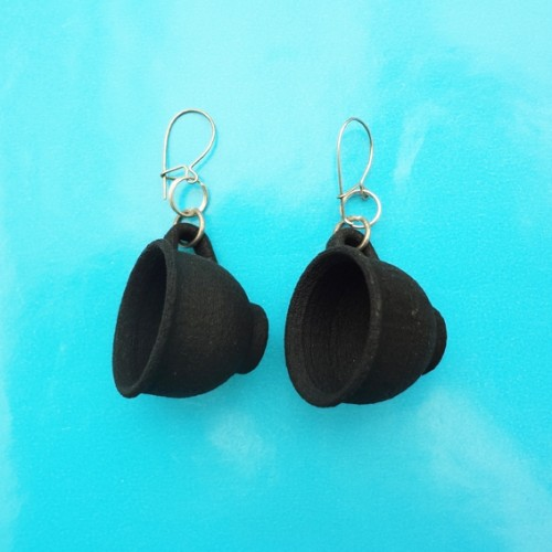 earring cup black 72