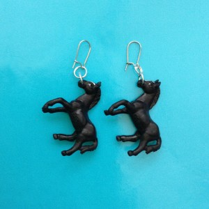 earring horse black little 72