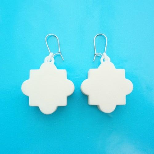 earring mandala white 72