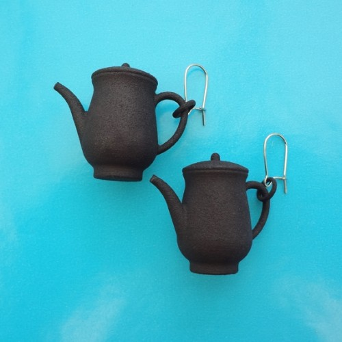 earring teapot black 72
