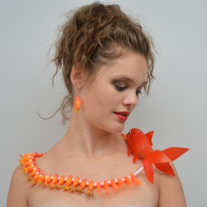 necklace fish orange large 72